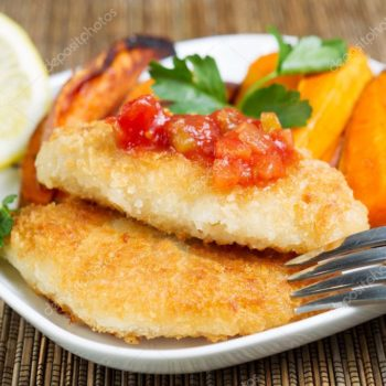 depositphotos_42296891-stock-photo-fish-and-chips-with-salsa